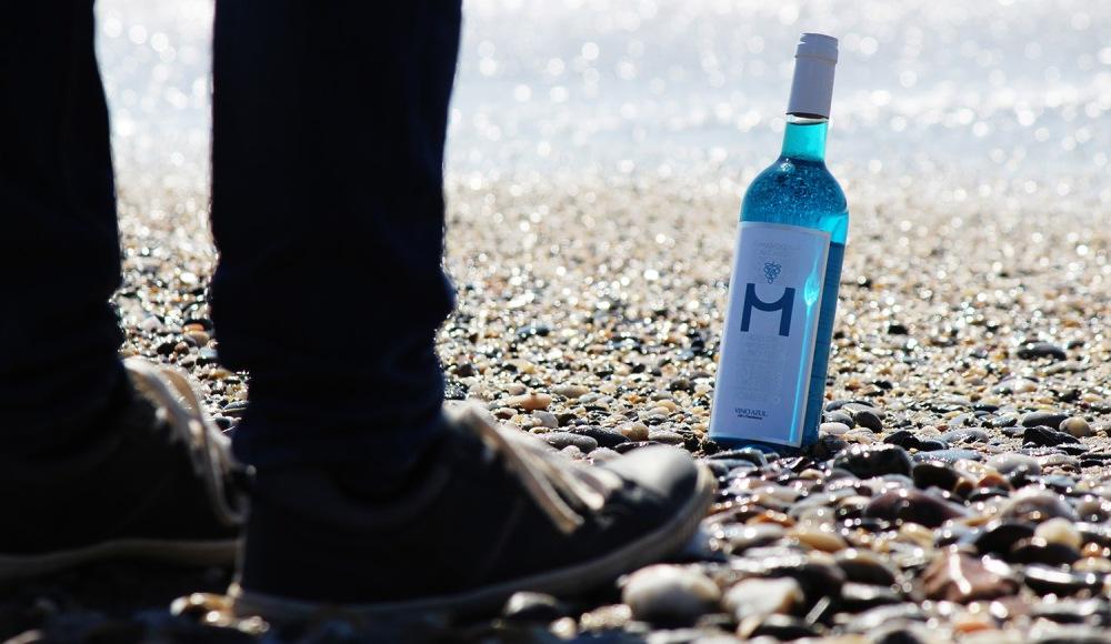 vino-azul-almeria-playa-web